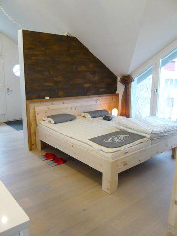 Ein Bett von der Ausstellung der Schreinerei Specker in Münchwilen.