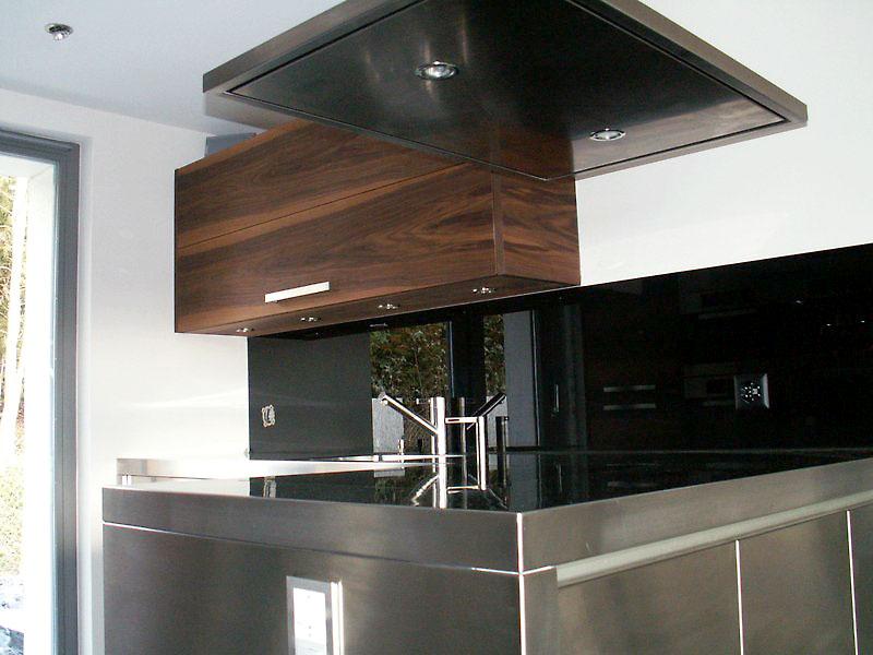 Bild einer Küche mit viel Aluminium